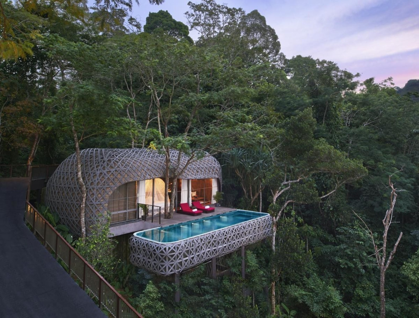 More people than ever are looking to stay in treehouses, you can see why...