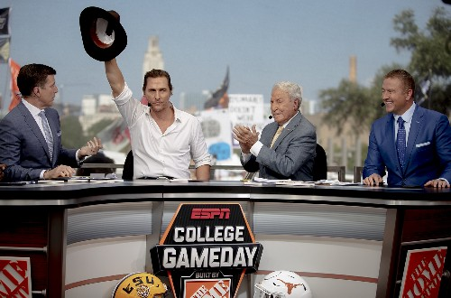 AP Top 25 Podcast: How is Fox's new pregame show doing?