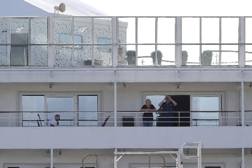 Australia prepares to fly cruise passengers to Germany