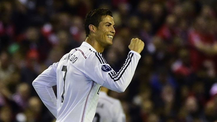 Cristiano Ronaldo receives Golden Shoe, wants to be 'best ever'