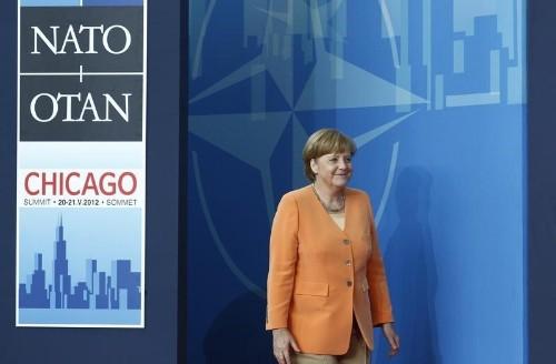 """Alemania niega la tesis de Trump de que debe """"grandes sumas"""" a la OTAN y EEUU por defensa"""
