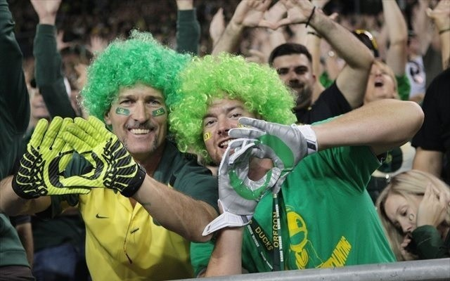 College Football Playoff Top 25: Oregon moves into top 4