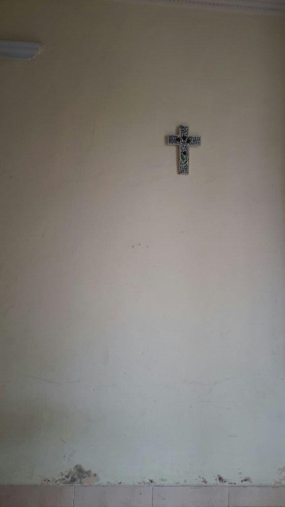 salib di dinding, met' rabu abu