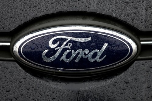 Ford using first over-the-air software updates to its 2016 cars