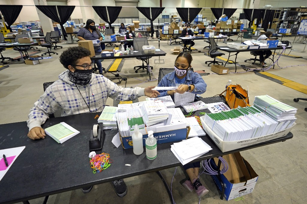 Eyes turn to Texas as early voting surge surpasses 2016