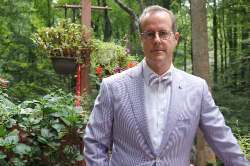 Naval Academy professor returns, but not to class