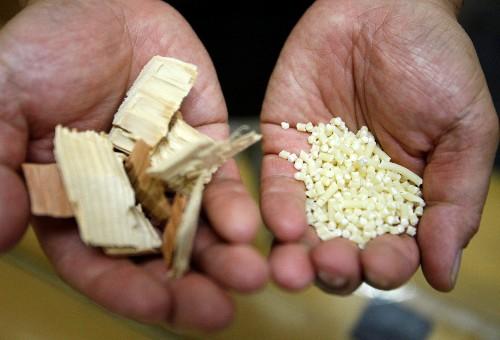 أمتن من الصلب.. اليابان تتطلع لاستخدام لب الخشب في صناعة السيارات