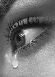 لا تتكلم عن جرحك لشخص ما...لانه سوف يذهب ويجرحك مجددا...ورغم وجع قلبك وهمك... تبقى فرحا امام غيرك....
