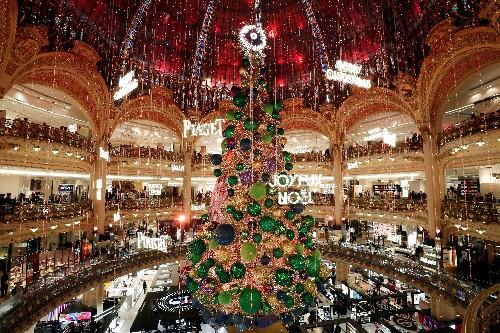 Les Français priés de préférer les magasins à internet pour Noël