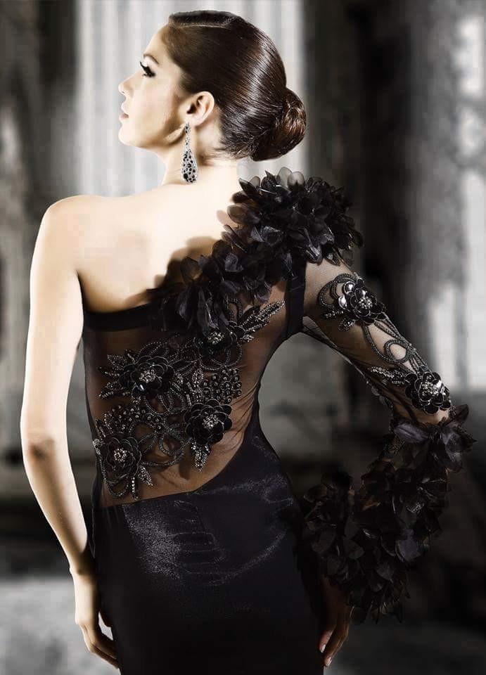Luxo Black.
