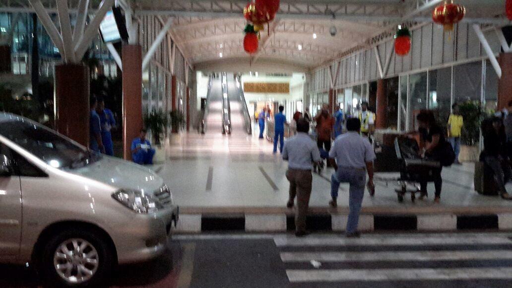 suasana jam 7 malam 16 Feb.2015 di terminal bandara SSQ Pekanbaru