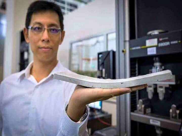 باحثون في جامعة NTU سنغافورة يطورون خرسانة مرنة يمكنها الانحناء دون تعرضها لشقوق؛ وتتفوق على العادية بقوتها وصمودها