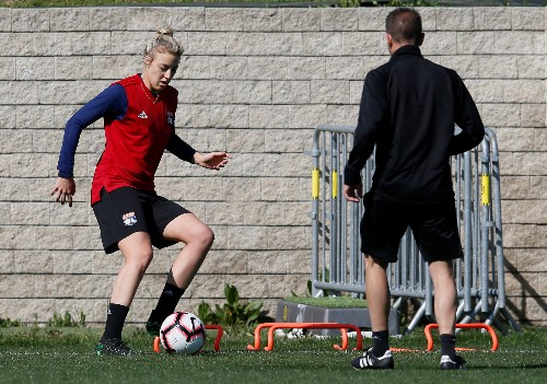 Soccer: Women to carry the hopes of a nation, says Germany's Simon