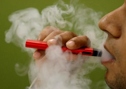 U.S. senators urge FDA to remove pod, cartridge-based e-cigarettes from market
