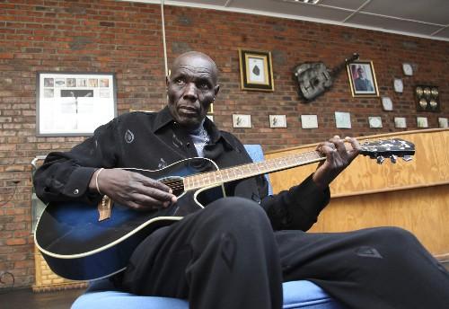 Zimbabwe music star Oliver Mtukudzi dies in Harare at 66