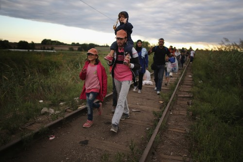 THE SELECTS: On the Road With the Migrants