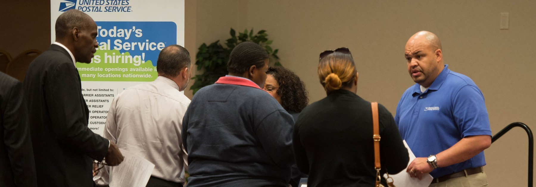 Jobless claims drop 14,000 to 298,000