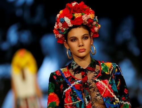 Roma designer hopes fashion can build bridges in Hungarian society