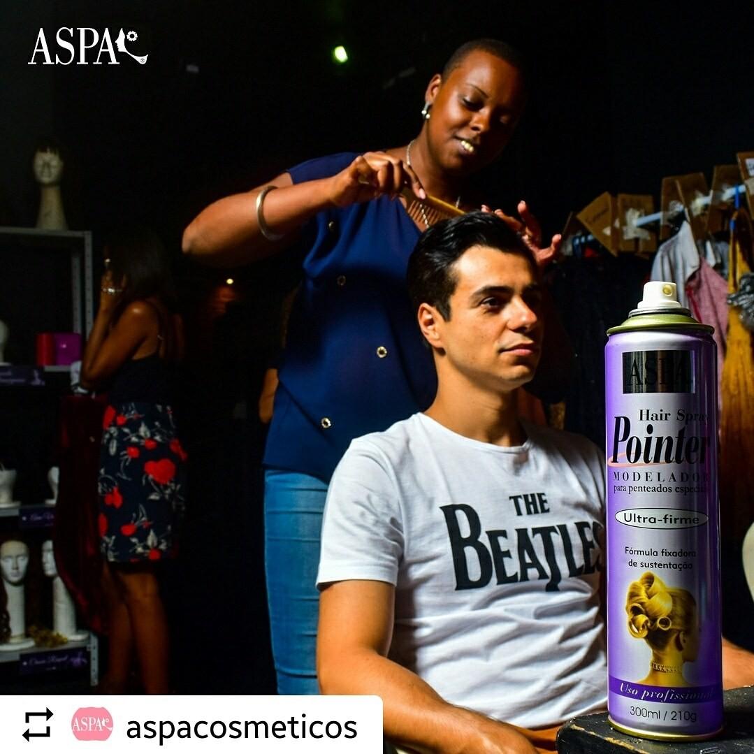 Foto : Josué Júnior Para @aspacosmeticos Com @aperuqueira @morura Parabéns ao dia Internacional do Teatro 👏👏👏 Locação : @60docmusical #mkdigital #maketing #publicidadeepropaganda #midia