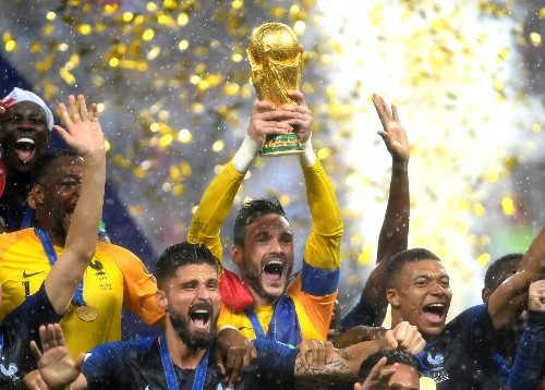France Overpowers Croatia, 4-2, in World Cup Final: Pictures