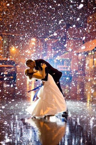 19 Snowy Wedding Photos That Will Warm You From The Inside Out | HuffPost Life
