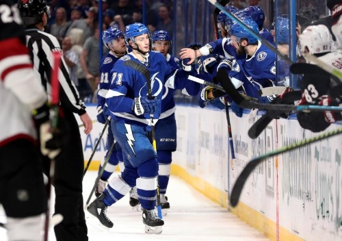 NHL roundup: Lightning capture Presidents' Trophy