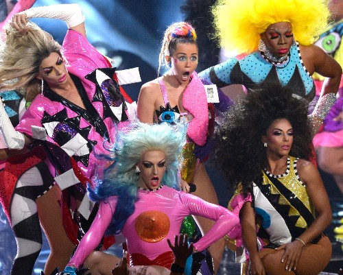 Miley Cyrus Hosts the MTV Video Music Awards