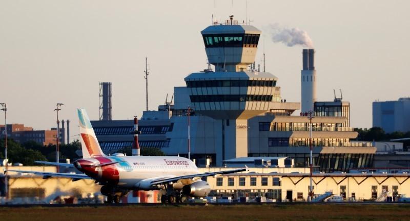 Mehr Flugverkehr erwartet - Berliner Airport Tegel schließt noch nicht
