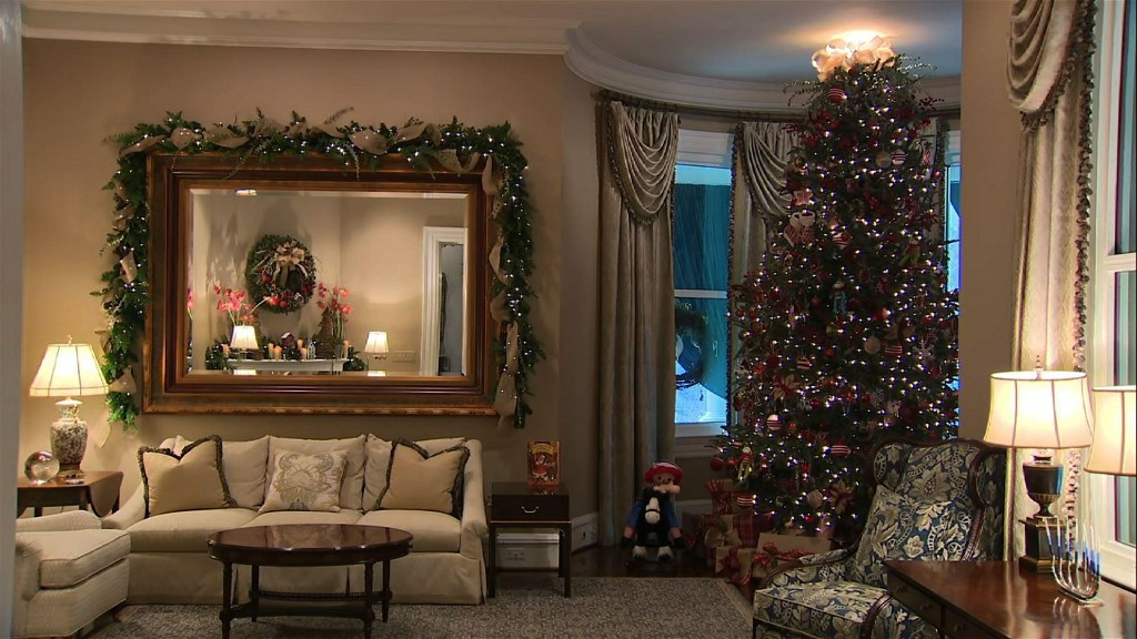 Pences' 'Old Fashioned Christmas' now on display