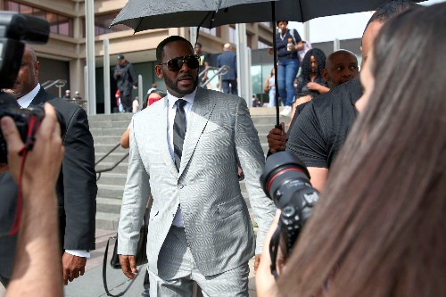Singer R. Kelly faces bail hearing over sex trafficking allegations