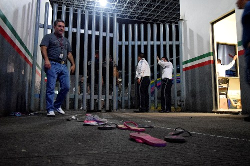 Over 1,000 migrants break out of southern Mexico detention center