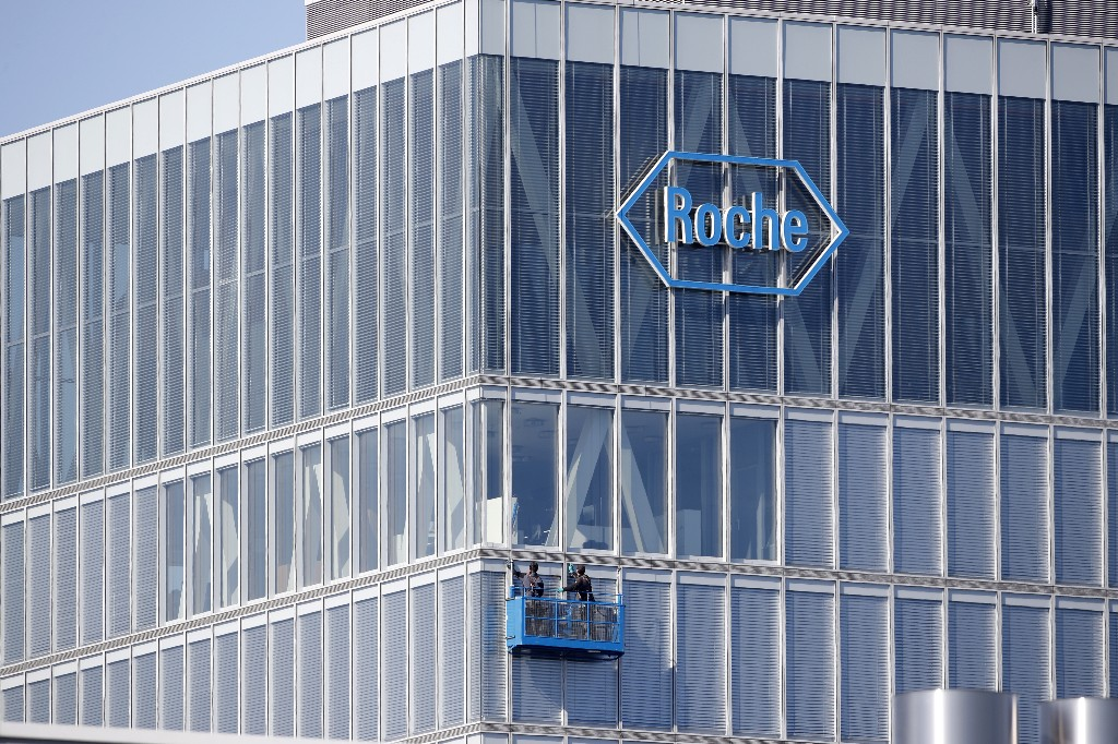 FDA approves Roche immunotherapy cocktail in liver cancer
