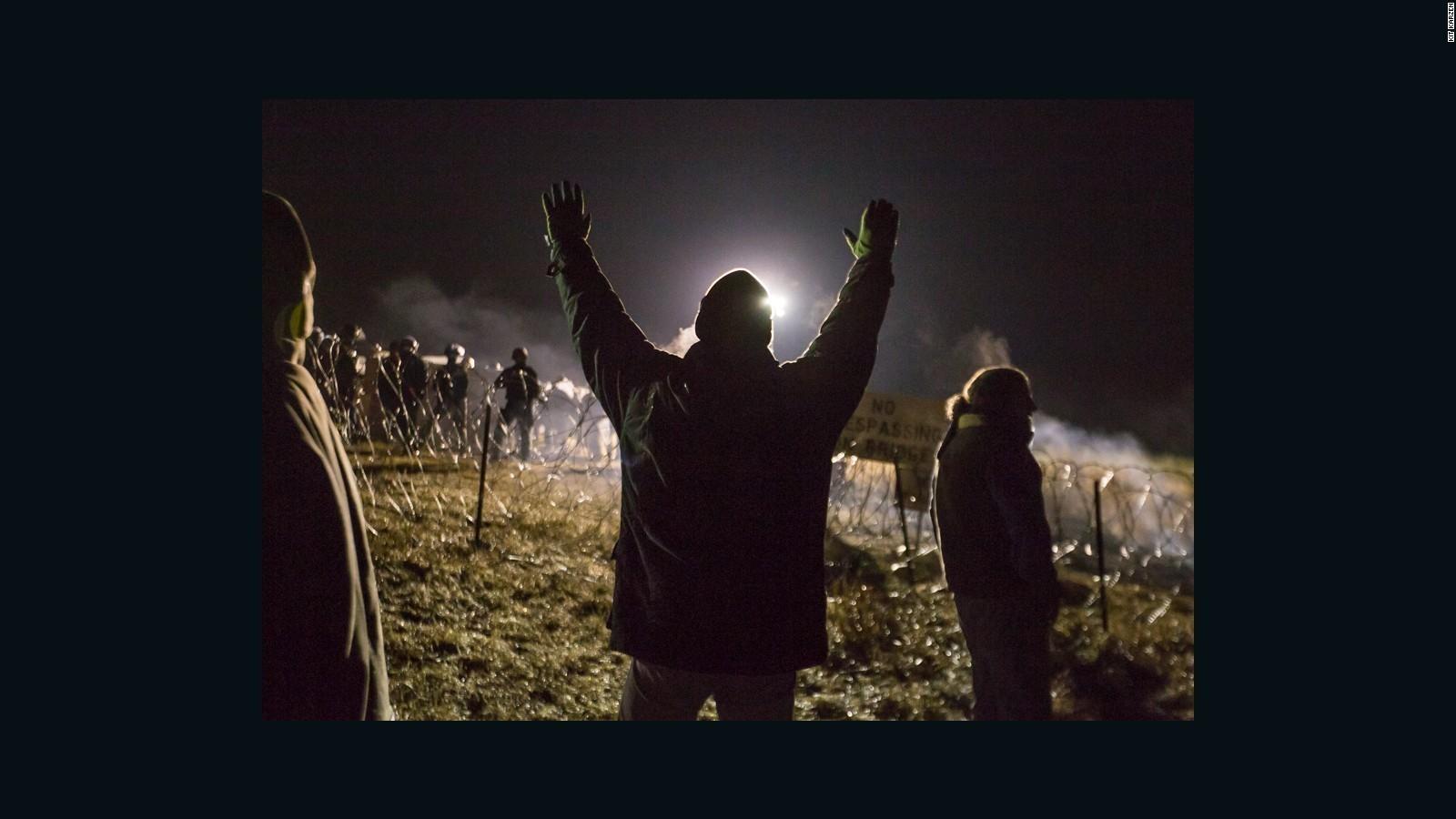 North Dakota Pipeline: Protesters vow to stay despite evacuation order