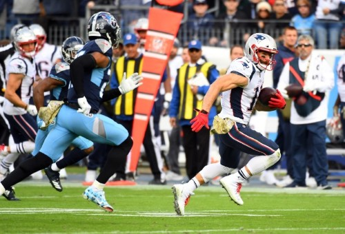NFL Report: Patriots WR Edelman avoids serious injury
