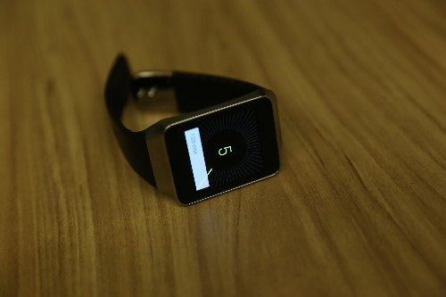Samsung's Gear Live Android Wear Smartwatch First Impressions
