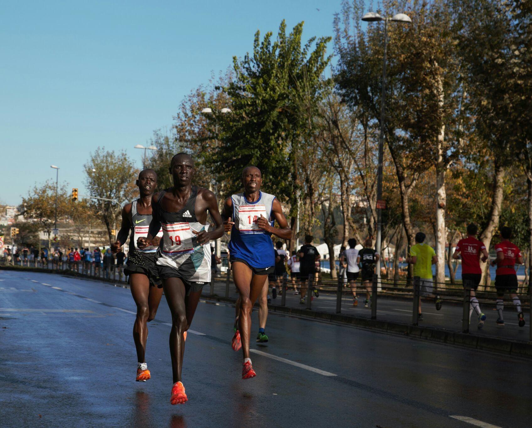 38. Vodafone İstanbul Maratonu. 53.000 sporcu 42 km 195 m. Koşuldu...