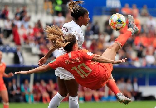 Beerensteyn strikes as Netherlands beat Canada to top group