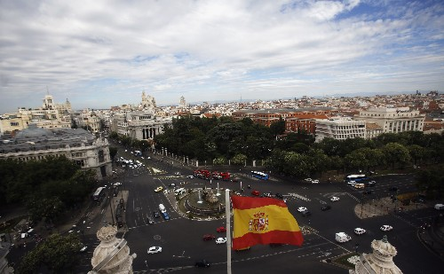 Spanish judge blocks Madrid council bid to lift car ban