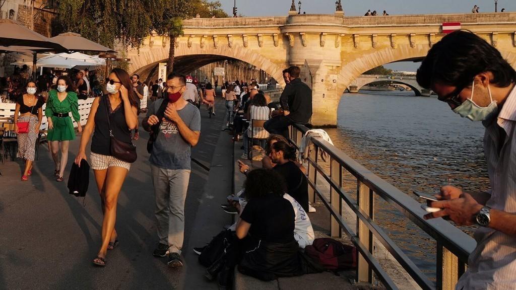 CA Deputies Shot, COVID-19 Spike in France & More — Monday's Rundown: Sep. 14
