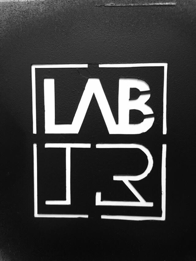 ARQ - LAB 13 - Magazine cover