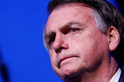 Brazilians' view of Bolsonaro government dims further, survey shows