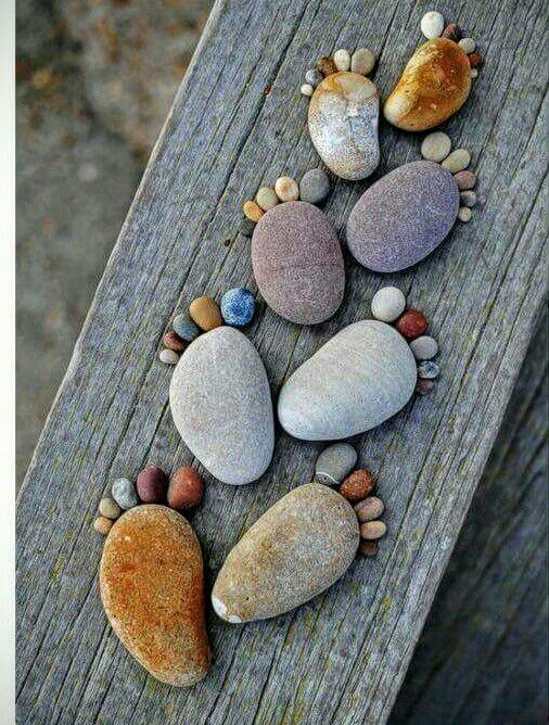 Pebble feet - Magazine cover