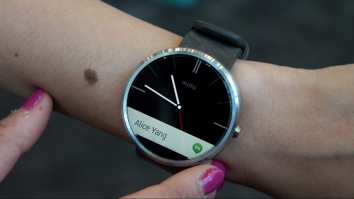 Hands On With The Moto 360, The First Round-Faced Android Wear Smartwatch