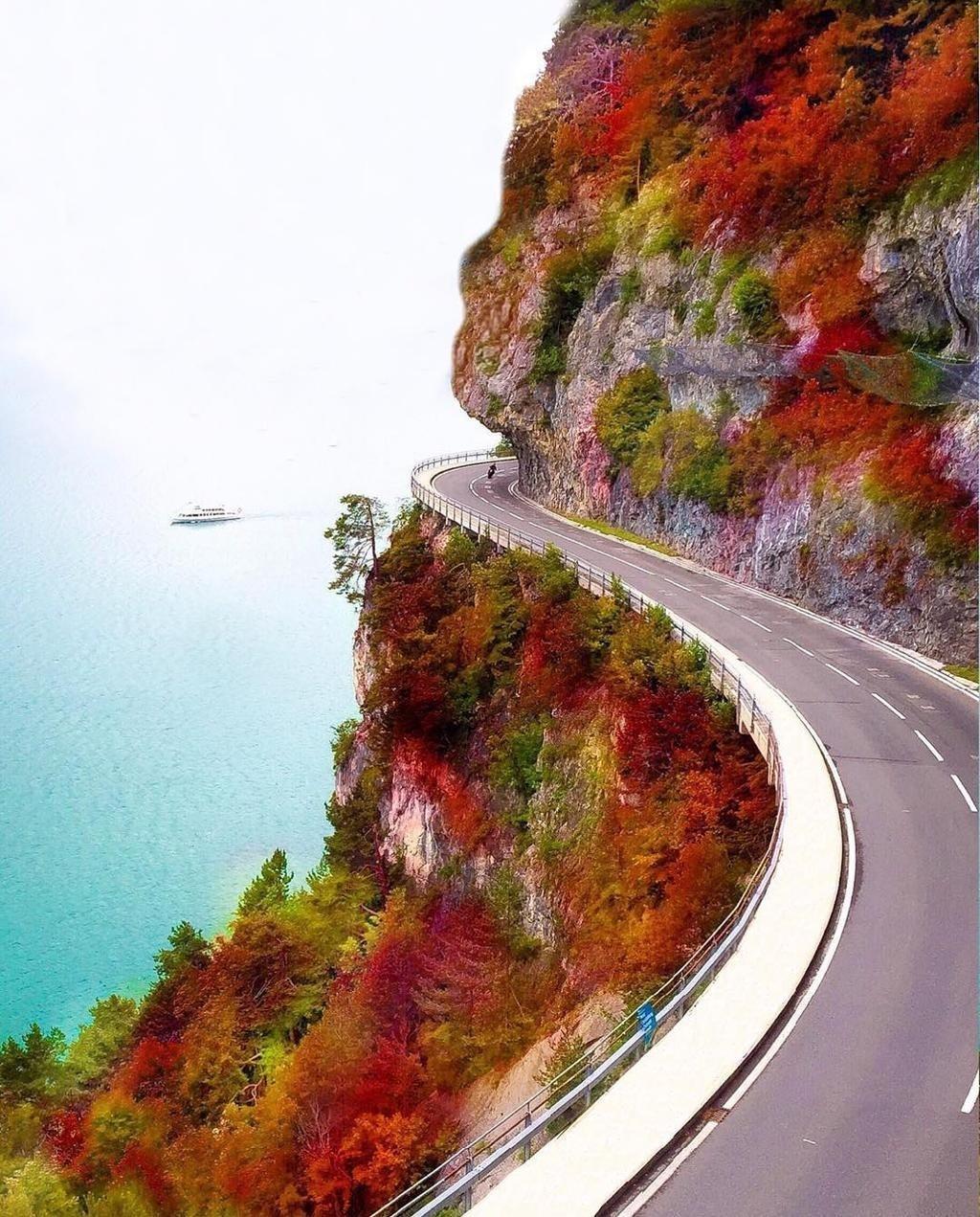 Lake Thun, Switzerland Photo by Doounia