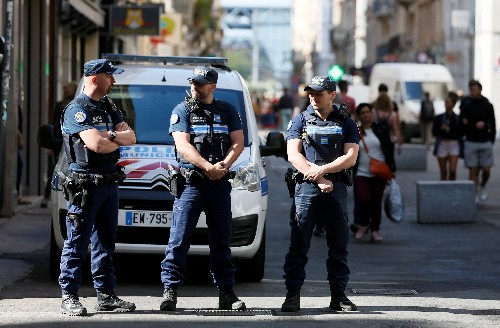 French police hunt for man who left bomb in Lyon