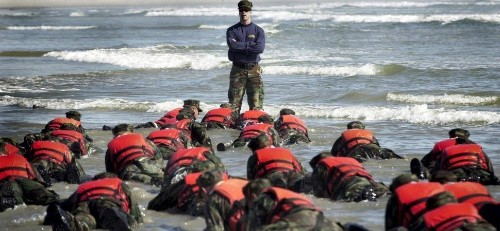10 Things Mentally Tough People Do (Advice From a Former Navy SEAL)