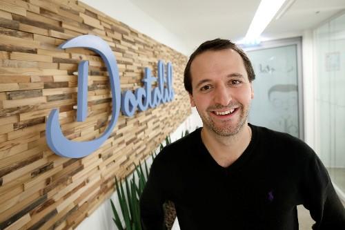 La start-up Doctolib lève 150 millions d'euros pour doubler ses équipes