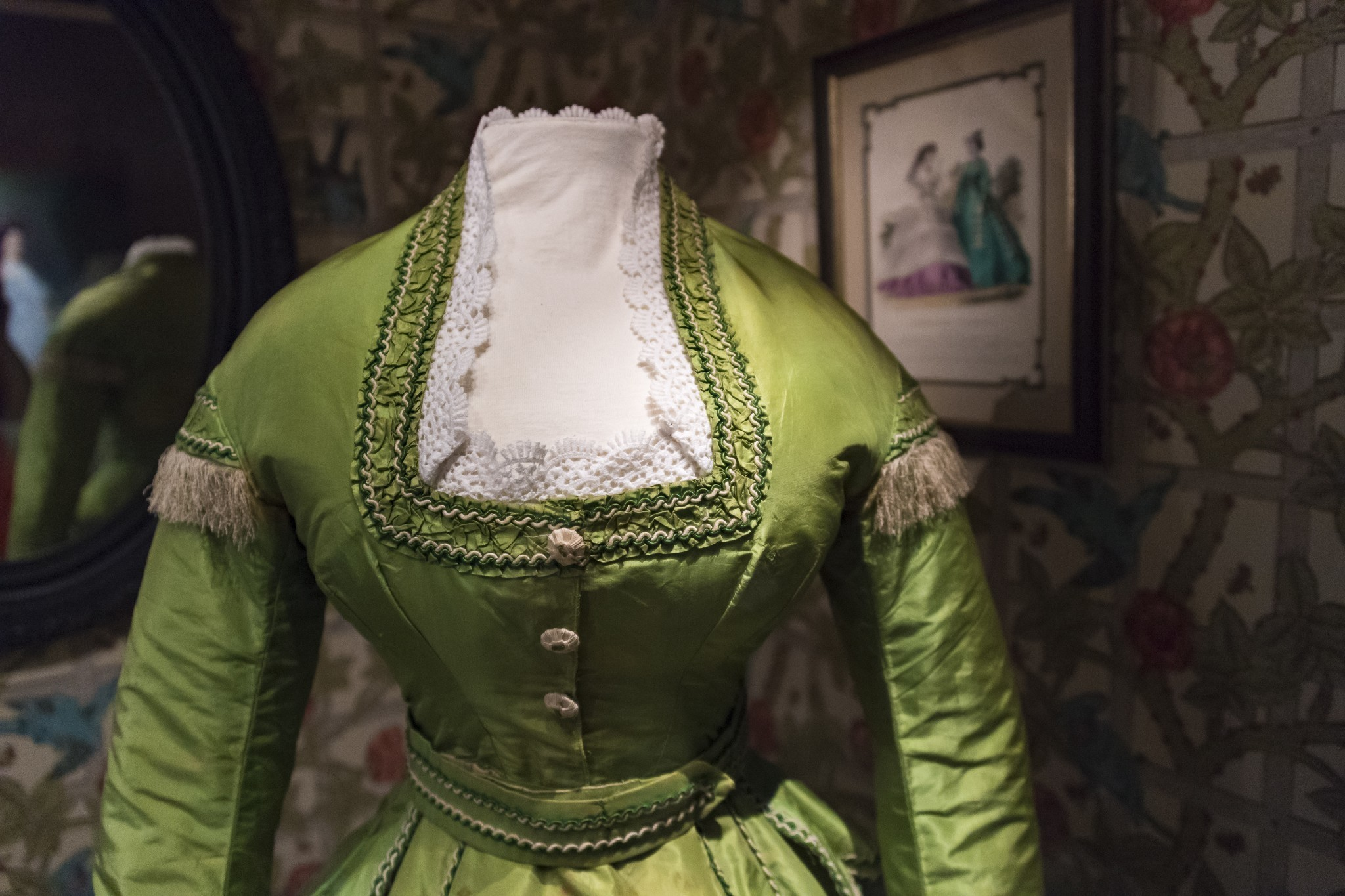 The History of Green Dye Is a History of Death