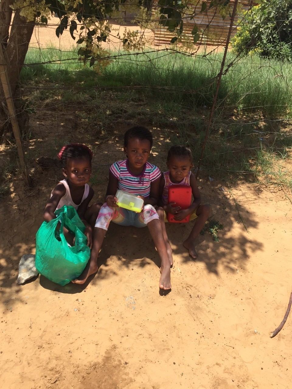 Mamosa poverty projects. Waiting for their meal