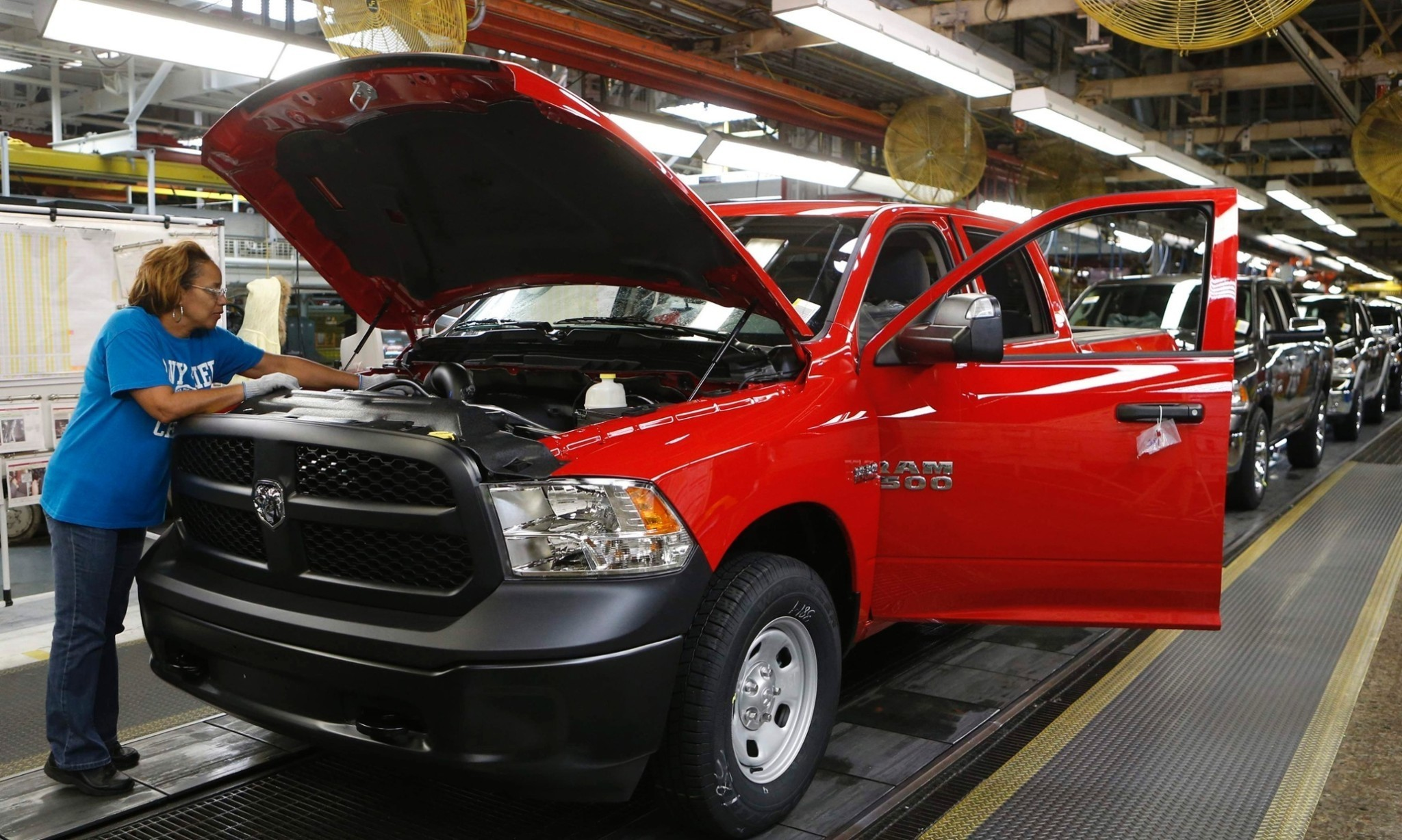 Federal inquiry opens into Dodge pickup trucks for axle safety issue